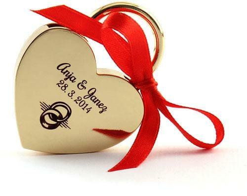 Ključavnica ljubezni z gravuro
