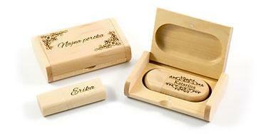 Leseni usb ključek z gravuro
