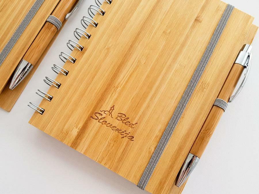 Graviranje na lesene rokovnike