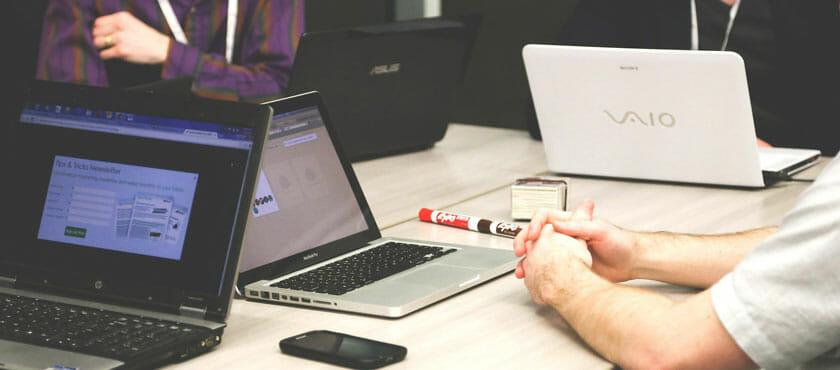 6 komunikacijskih spretnosti, s katerimi boste postali boljši voditelj