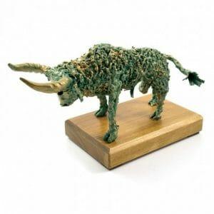 Skulptura zeleni bik