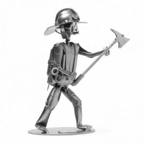 Gasilec kovinska skulptura