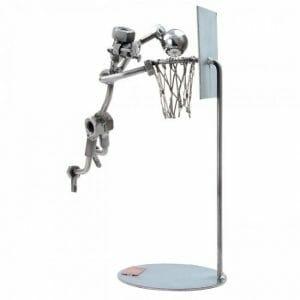 Košarkaš kovinska skulptura