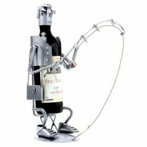 Skulptura ribič nosilec za steklenico
