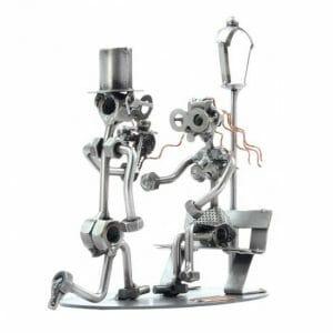 Snubitev kovinska skulptura