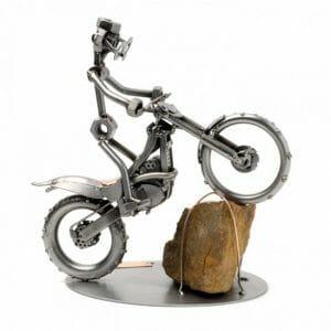 Trial kovinska skulptura