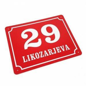hisna stevilka tablica z naslovom za fasado