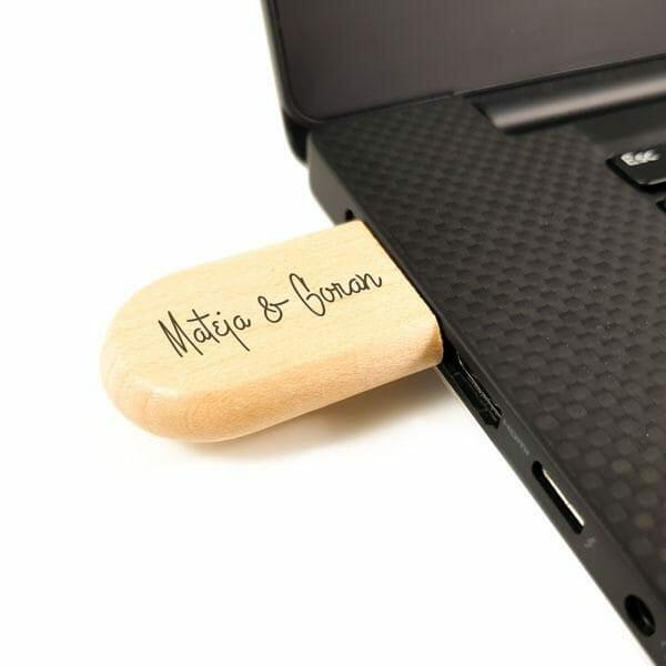 USB ključ iz lesa z gravuro2