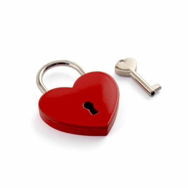 Ključavnice ljubezni z gravuro