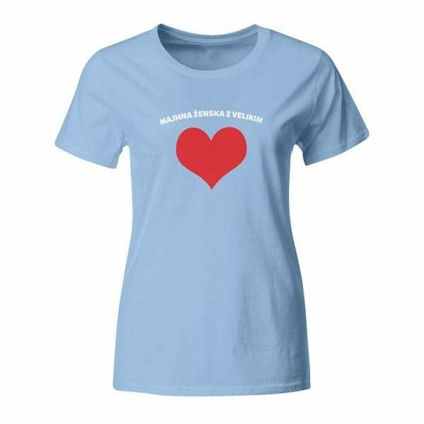 Majhna ženska z velikim srcem, majica